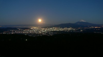 Fuji at night